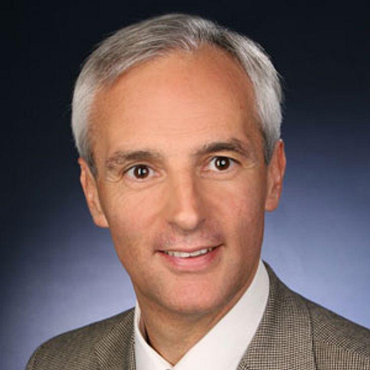Augenarzt Dr. Carl-Ludwig Schönfeld, München, im Interview zu Altersbedingter Makuladegeneration (AMD)