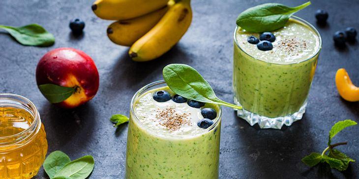 Spinat-Banane-Mango-Smoothie