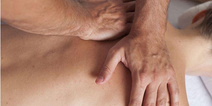 Druckmassage gegen Rückenschmerzen