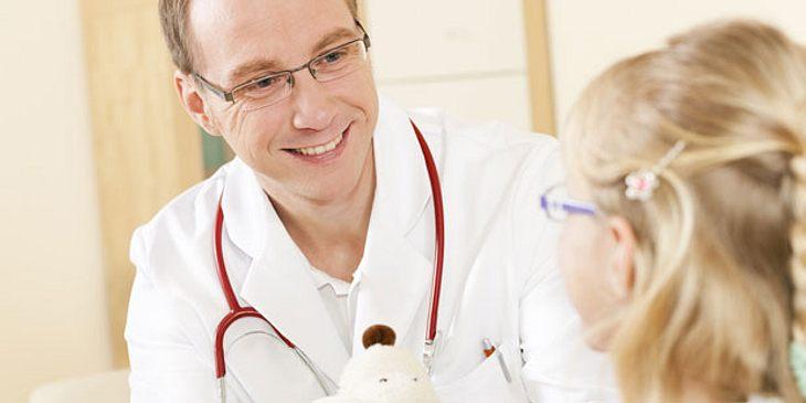 Kind mit ADHS beim Kinderarzt