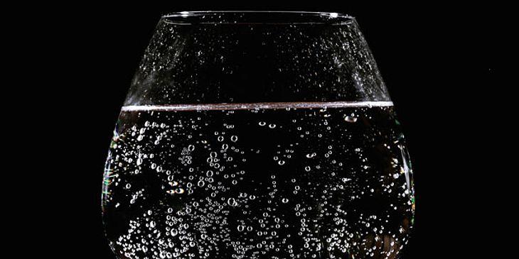 Kohlensäurehaltige Getränke meiden