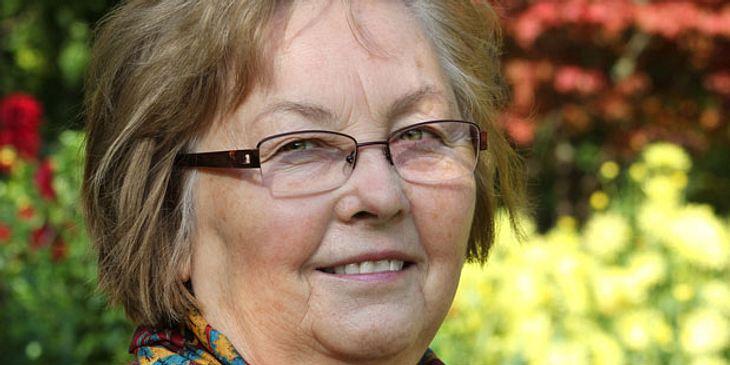Ältere Frau mit Altersflecken