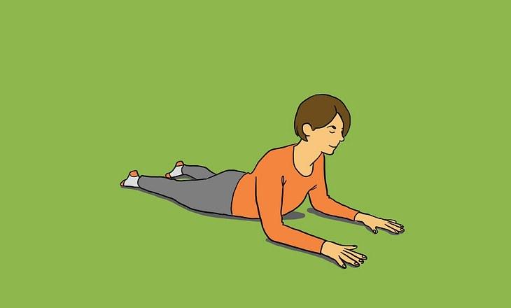 Yin-Yoga-Pose Sphinx als Illustration
