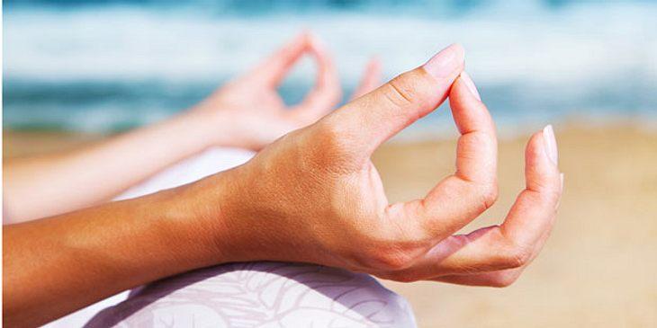 Finger-Yoga wirkt